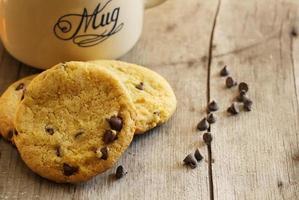 glutenvrije kikkererwten chocolate chip cookies foto