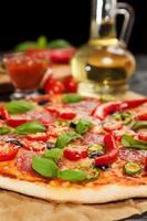 heerlijke zelfgemaakte pizza foto