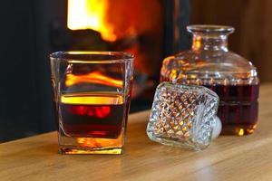 glas met whisky foto