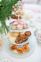high tea cake standaard foto