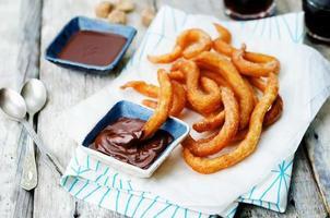 churros met chocoladesaus