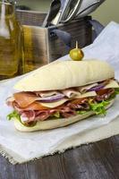 Italiaanse sub-deli sandwich foto