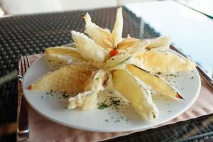 gefrituurde aubergine in tempura coating foto