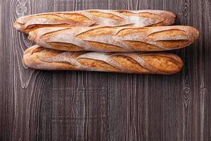 drie verse Franse stokbrood foto