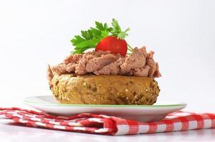 broodje met paté foto