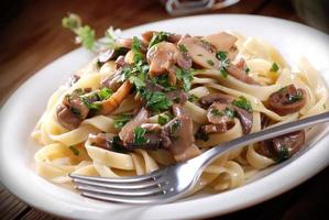 pasta met gebakken champignons foto
