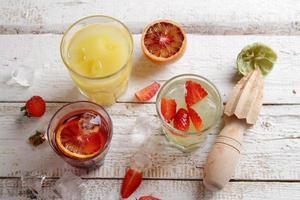 verschillende verse cocktails foto