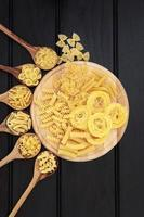 pasta op hout foto