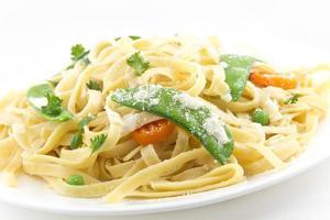 fettuccine alfredo groenten foto