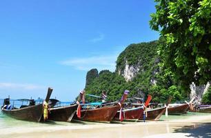 traditionele lange de staartboot van Thailand foto
