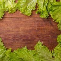 snijsla op houten raad wordt geïsoleerd die foto