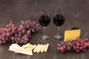 kaas en rode wijn foto