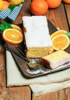 zelfgemaakte oranje cake foto