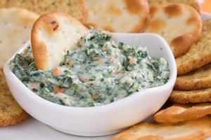 spinazie dip & crackers foto