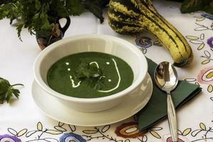 groene soep foto