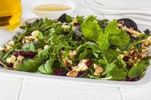 cranberry walnoot en feta salade foto