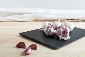 samenstelling van paarse knoflook foto