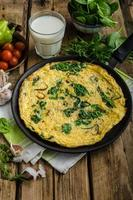 frittata met spinazie en knoflook