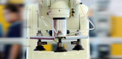geautomatiseerde precisie-bewerkingsmachine foto