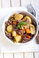 rundvlees en groente stoofpot foto