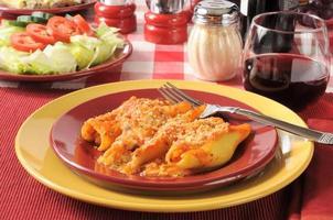 gevulde pastaschelpen foto