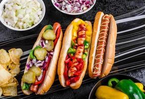 alle runderhonden, variant van hotdogs foto