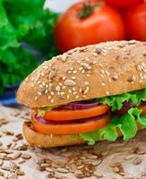 sandwich met verse groenten foto