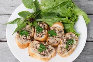 Vietnamees gestoomd brood met varkensvlees foto