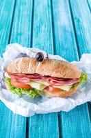 geserveerd ciabatta sandwich foto