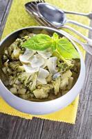 gestoofde aardappel en broccoli foto