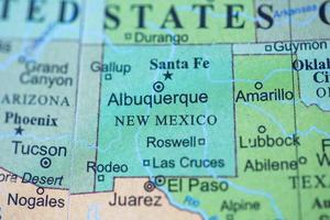 kaartweergave op een geografische wereld. foto