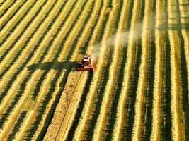 harvester op het werk foto