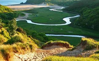 meanderende rivier foto