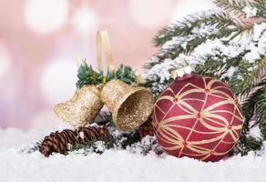 kleurrijke kerstbal foto