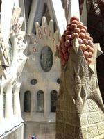 detail van de sagrada familia, barcelona, spanje foto