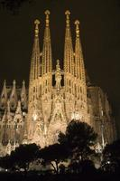 sagrada familia 's nachts, barcelona foto