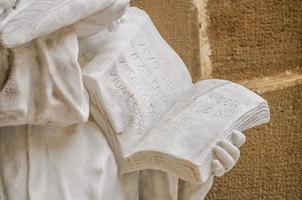 st teresa van avila standbeeld detail, monstserrat, catalonië, spanje foto
