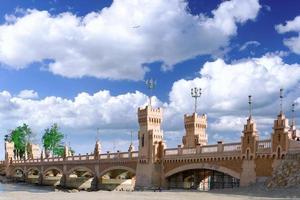 brug in koninklijk park montazah, alexandrië. foto
