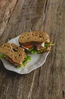 sandwich op tafel