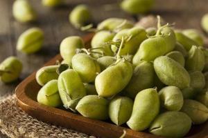 rauwe verse biologische groene kekerbonen foto