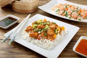 Chinees eten vlees en rijst foto