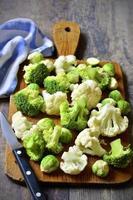 spruitjes, broccoli en bloemkool. foto