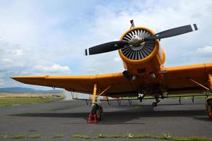 zlin z-37 cmelak vliegtuig foto