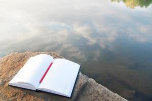 boek. prachtig landschap foto