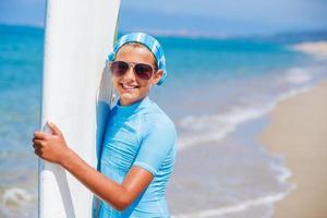 meisje met surfen