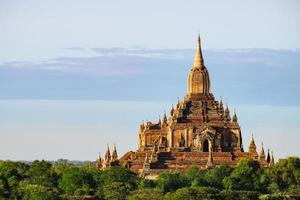 schilderachtig uitzicht op de oude Sulamani-tempel bij zonsondergang, Bagan foto