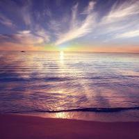 hemel en zee zonsondergang landschap foto