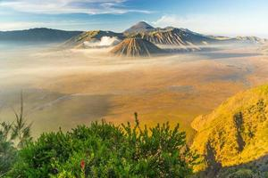 bromo, batok en semeru landschap foto