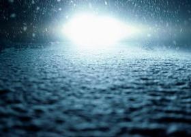 's nachts rijden - winter weg