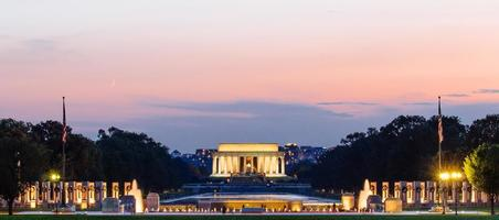 Lincoln Memorial 's nachts. foto